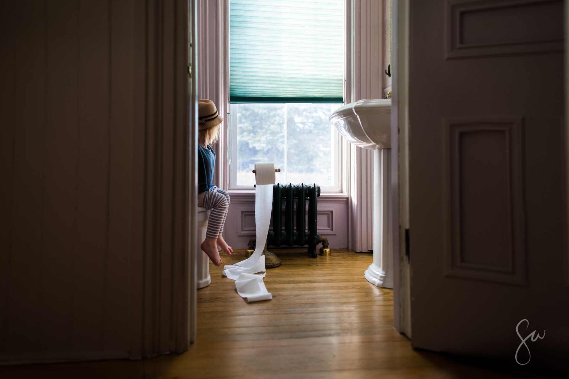 Everyday-Color-Child-Photography-with-Toddler-Potty-Training-near-Window-Light-