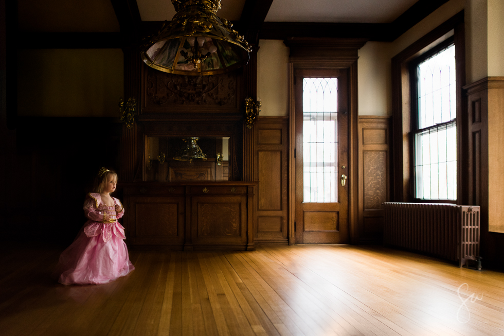 Little-Pink-Princess-in-Ornate-Gold-Room-in-Beatiful-Natural-Light-1478